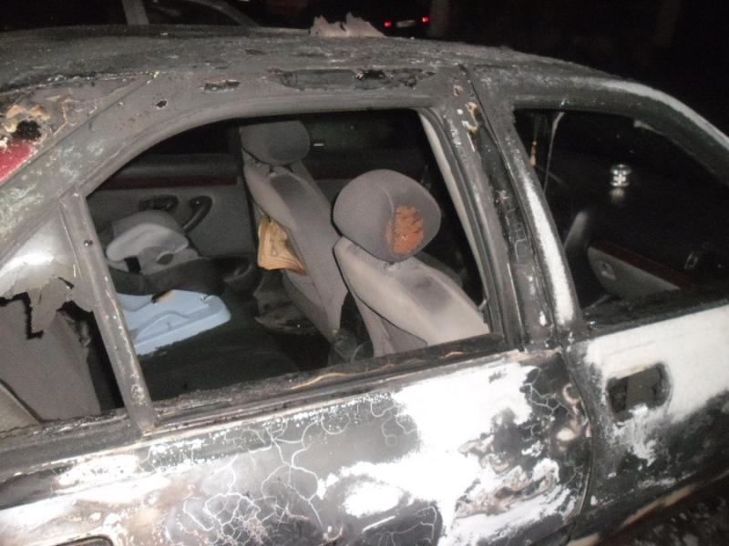 На стоянке в Кирове сгорели четыре автомобиля (+ФОТО)
