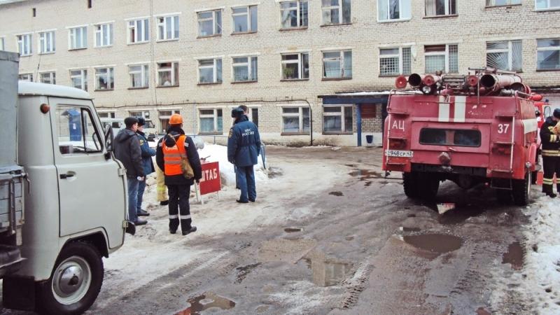 Мурашинскую ЦРБ заволокло дымом: людей экстренно эвакуировали (+ФОТО)