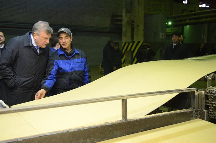 В Кирово-Чепецке открылось новое производство по выпуску ДВП
