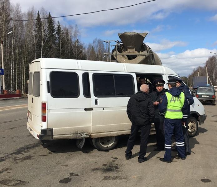 Инспекторы занялись массовой проверкой водителей общественного транспорта