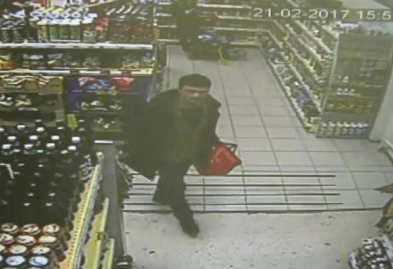 Милиция разыскивает мужчину, который похитил из«Пятерочки» спирт на3тыс.руб.