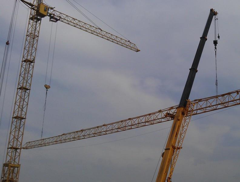 ВКирове упал башенный кран: имеется пострадавший