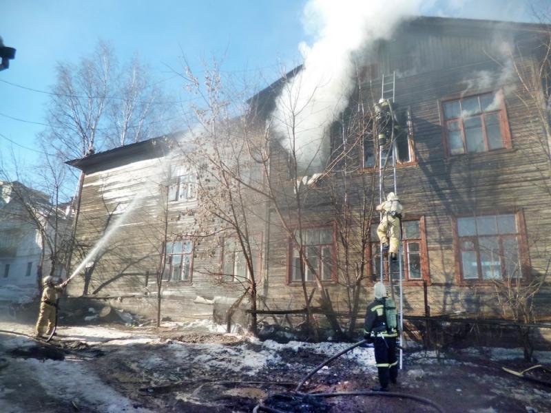Спасатели сообщили подробности вчерашнего резонансного пожара в центре Кирова