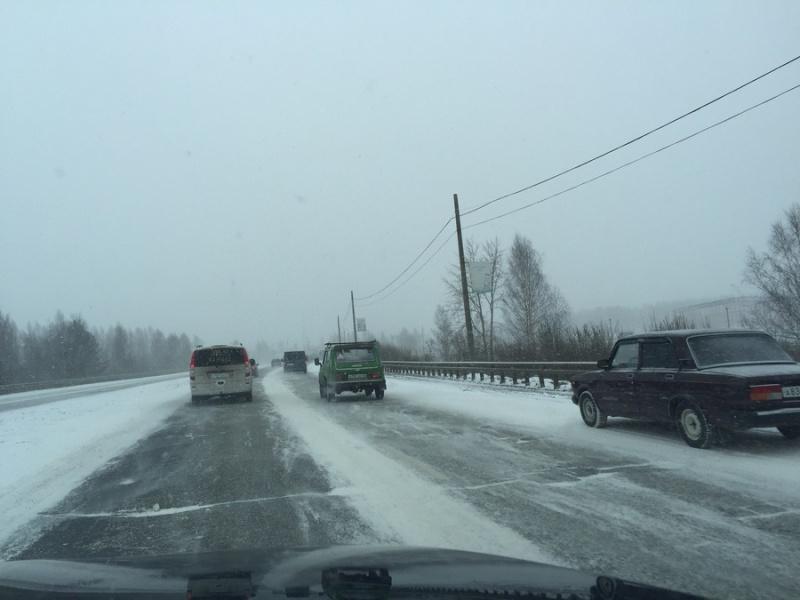 ВКирове из-за снега МЧС объявило официальное метеопредупреждение