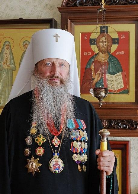 Награды митрополита Вятского и Слободского Марка заинтересовали кировчан