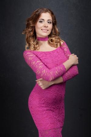Одна из самых красивых девушек региона работает в СИЗО