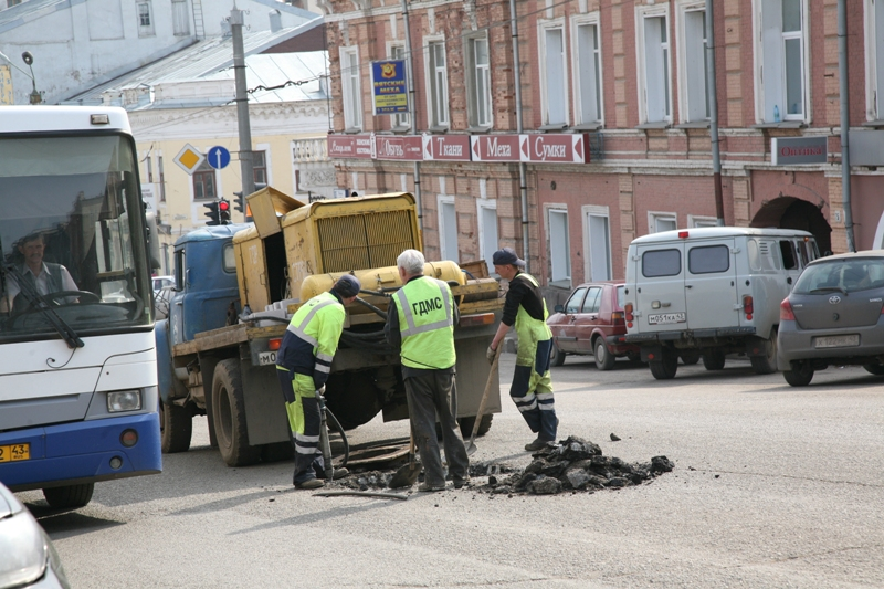 Дорожники Кирова перешли накруглосуточный режим работы