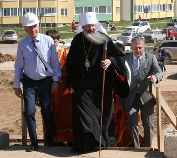 Владыка Марк проведет службу в строящейся Богородичной церкви