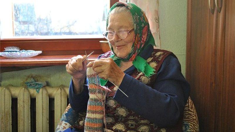 Бабушка отложи ты свое вязание заведи старый свой граммофон 899