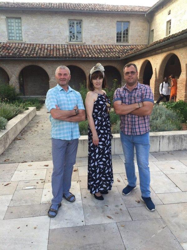 «Безумные шляпники» из Вятских Полян отправились во Францию перенимать опыт