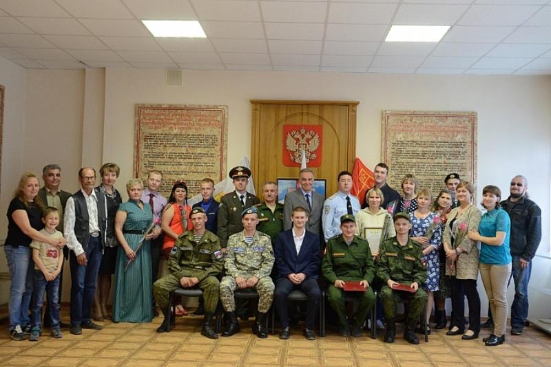 Лучшие дембеля из Кировской области награждены часами