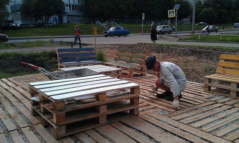 В Кирове появилась рябиновая аллея