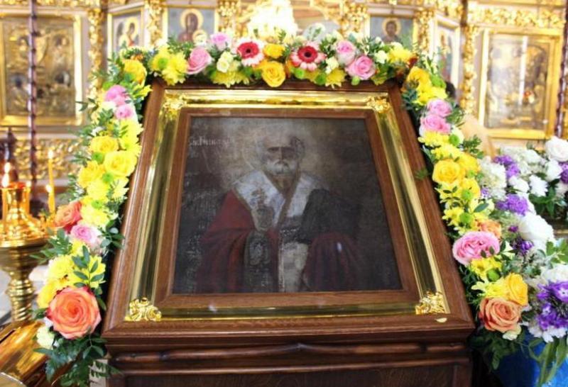 В кировский храм доставили икону, которая избавляет от недугов и печалей