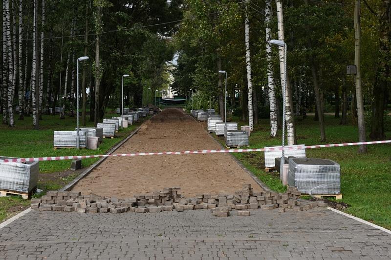 Дорожки из брусчатки в парке Победы будут длиннее, чем предполагалось ранее