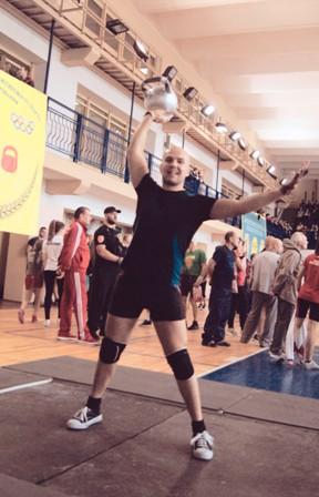 Два кировских гиревика завоевали по три золотых медали на Всемирной олимпиаде