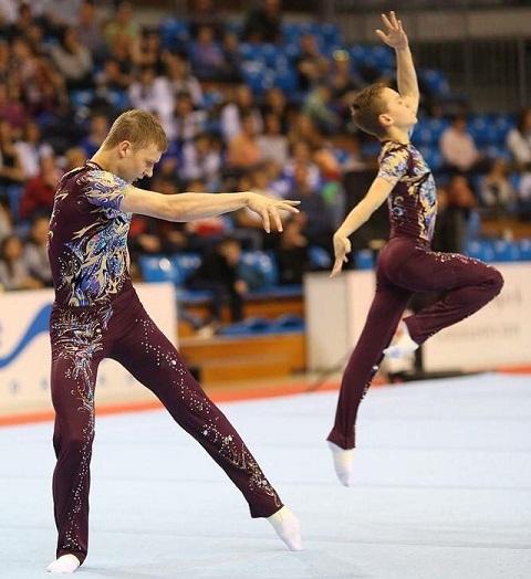 Кировские акробаты победили на Первенстве Европы