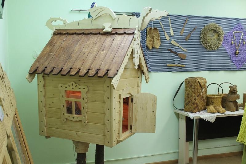 В Кирове презентовали выставку работ кировских мастеров-ремеслеников