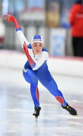 5 наград привезла из Германии юная кировская конькобежка