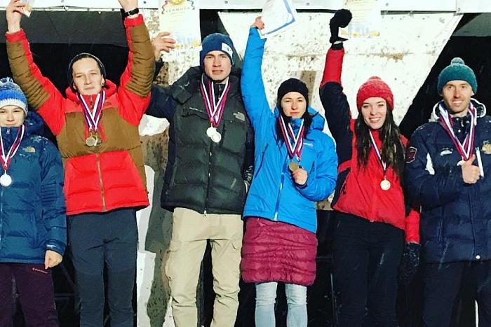 Киров принял этап Кубка России по ледолазанию