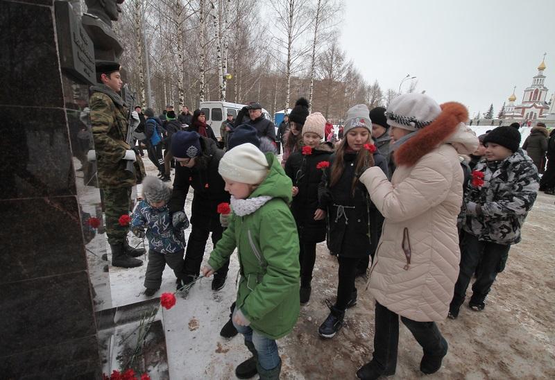 Кировчане почтили память павших безымянных героев