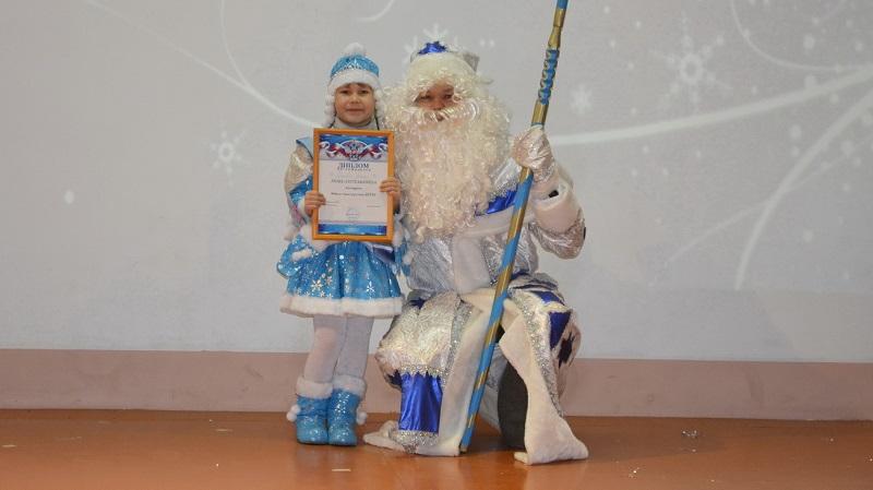 В Верхнекамье Дед Мороз прокатился по улицам Лесного