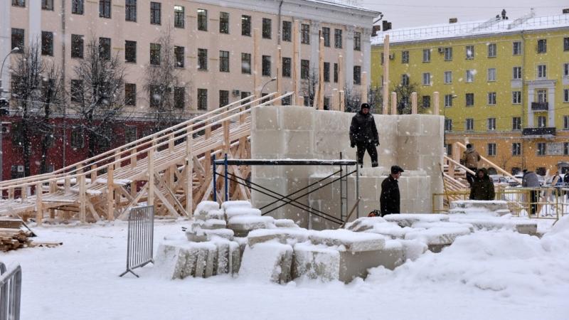 Стройку наТеатральной площади будет охранять милиция