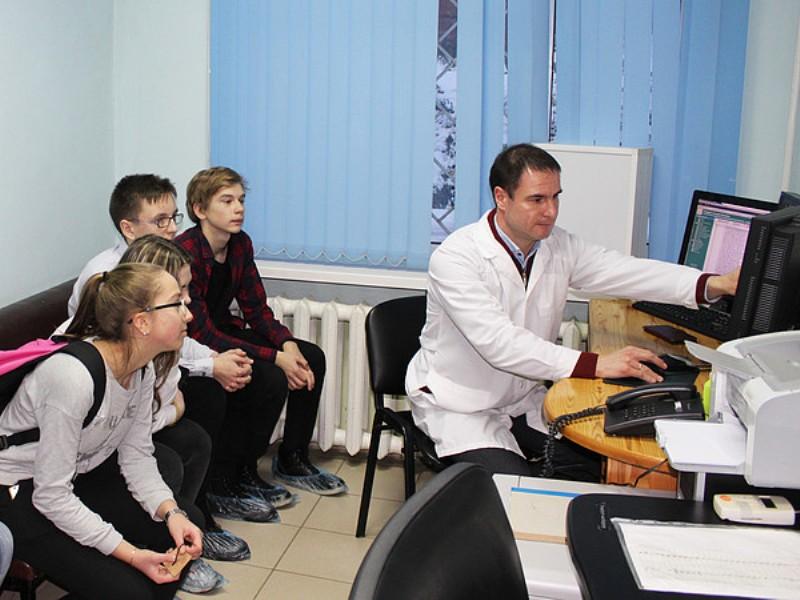 Слободским старшеклассникам рассказали о медицинских профессиях