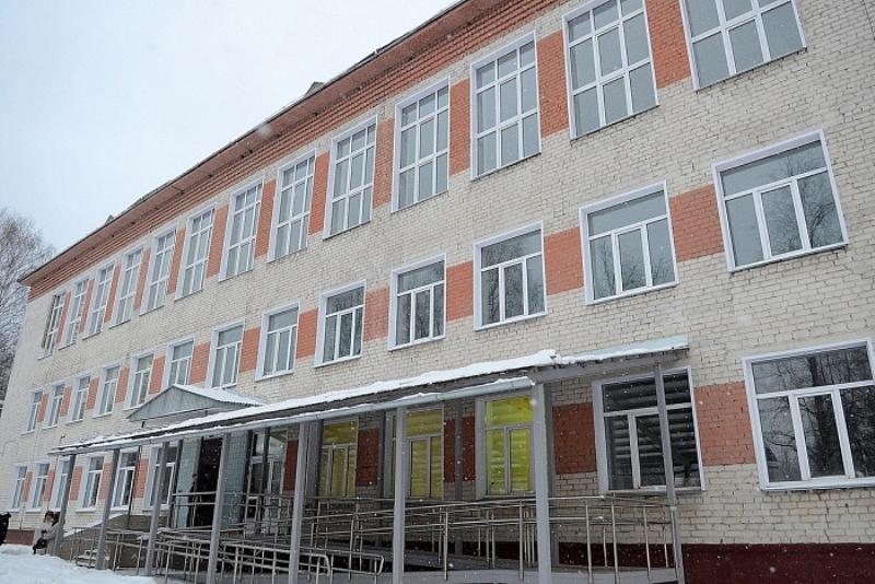 Полпред Президента РФ – в новой кировской школе