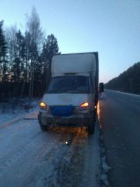Кировские автоинспекторы спасли водителя из Нижнего Новгорода