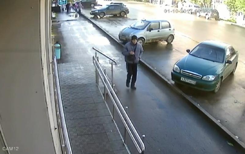 Кировские полицейские разыскивают мужчину, обокравшего подсобку микрофинансового учреждения