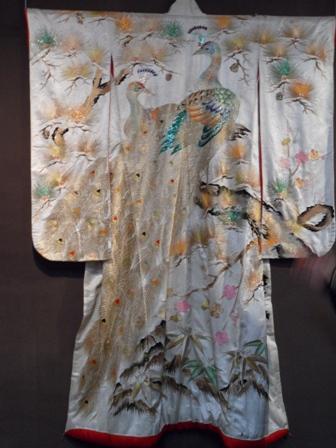 От свадебной мантии до самурайской одежды для харакири