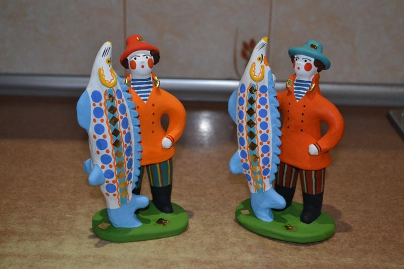 4e5909eaf8a8 Царь-рыбу до неё никто не лепил. Утверждаю это со всей ответственностью.  Сколько дымковской игрушки пересмотрел в последние годы – и на выставках,  ...