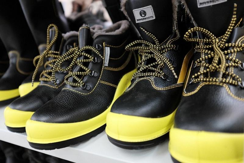 Региональный минпром организовал пресс-тур для журналистов на обновленное производство обуви