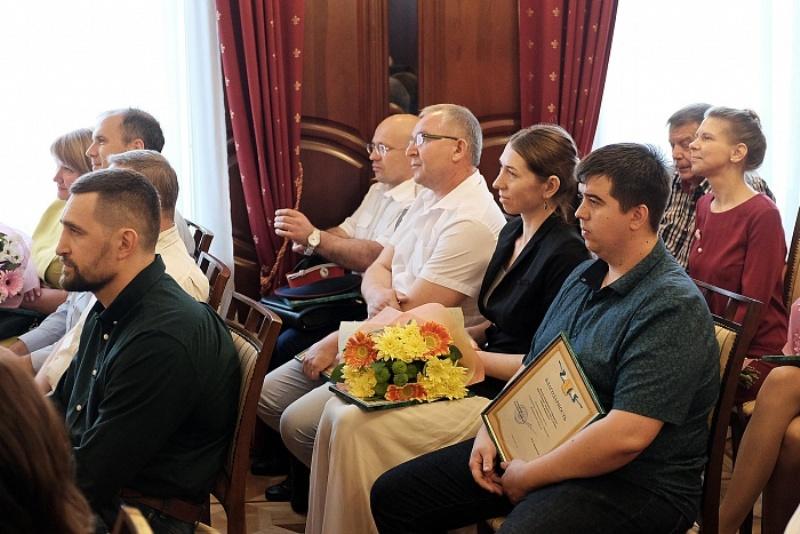 Девятнадцати некоммерческим организациям региона были вручены благодарности губернатора области