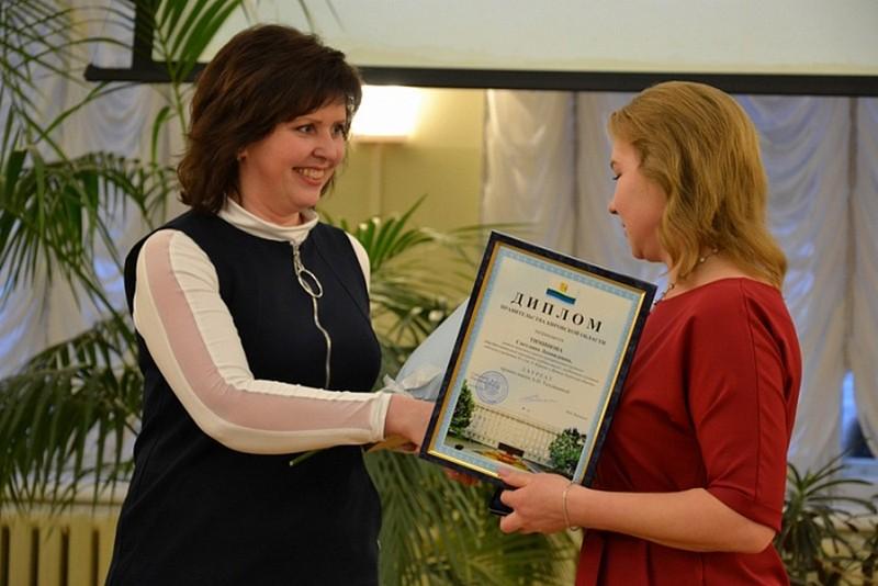 Лауреатами премии имени Аполлинарии Тепляшиной стали шесть педагогов начальных классов