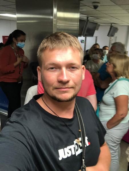 Застрявший из-за коронавируса на Шри-Ланке: «Практикую серфинг»
