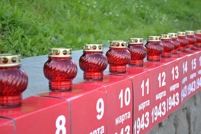 В память о героях – гудки заводов и зажжённые свечи