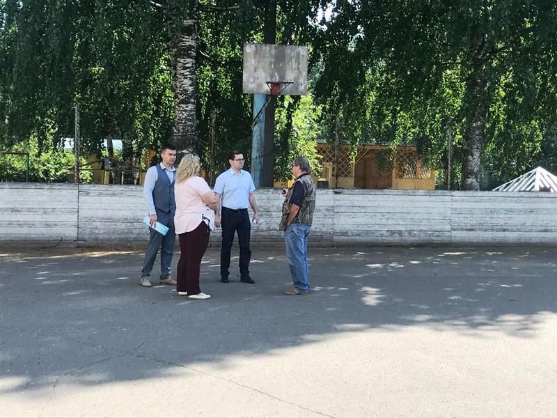 Рахим Азимов окажет помощь в ремонте хоккейной площадки в микрорайоне Домостроитель