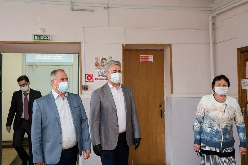 Полмиллиона рублей будет дополнительно привлечено Рахимом Азимовым на ремонт Стуловского дома культуры