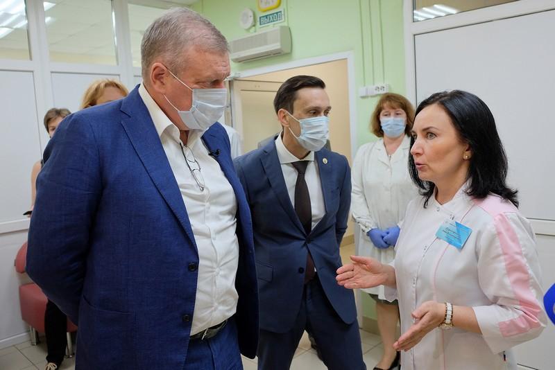 Не больница, а санаторий: губернатор оценил ход ремонта в Центре медицинской реабилитации в Нижнеивкине