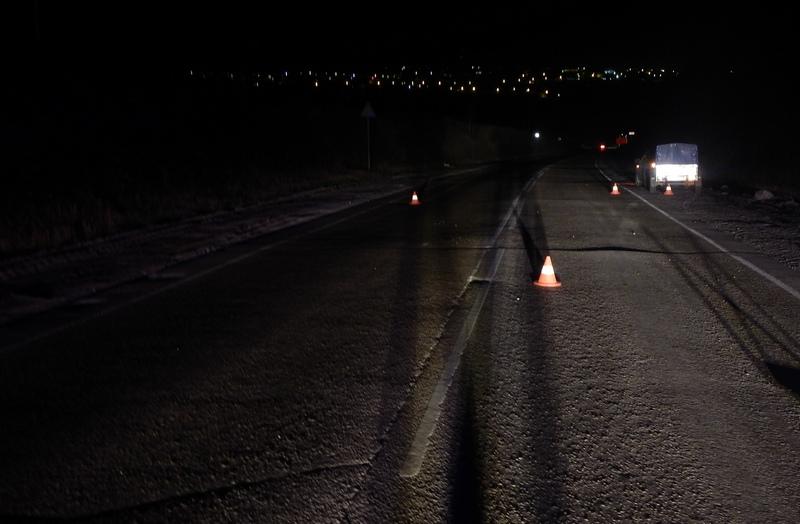 В Кировской области насмерть задавили мужчину, который шёл по дороге