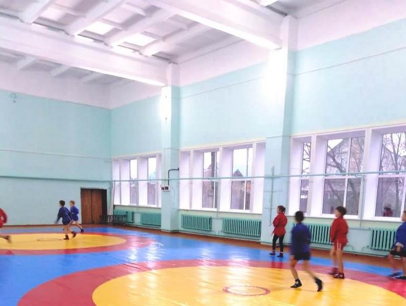 Свечинские самбисты поблагодарили Азимова за поддержку детского спорта в районе