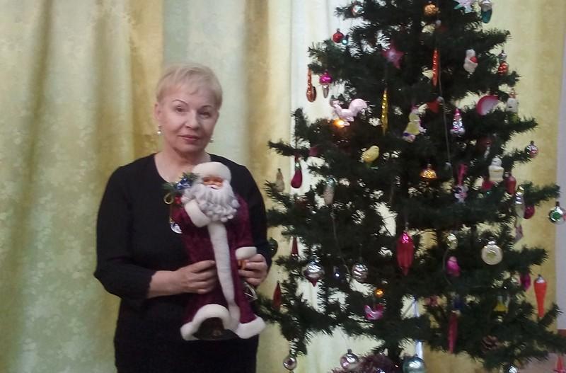 Кировчан просят поделиться снегурочками