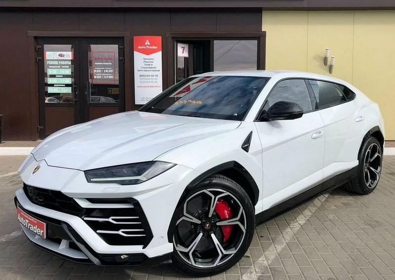 В Кирове продают автомобиль за 22 миллиона рублей