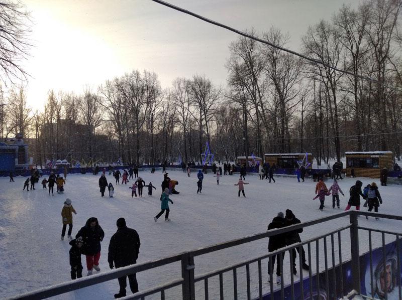 Каток у филармонии стал самым популярным среди кировчан