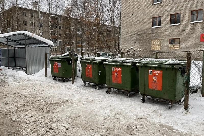 В Кирове увеличат число машин для вывоза мусора