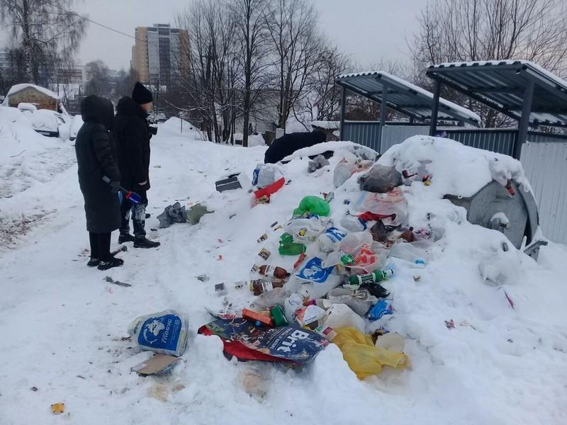 Кировские общественники проверили, как вывозится мусор