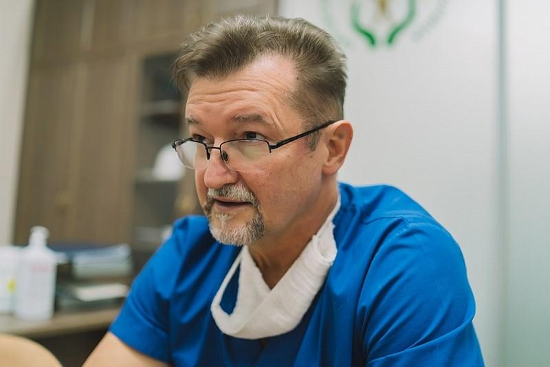 Кировские хирурги достали из желудка подростка огромный клубок волос