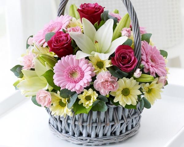 Как купить через интернет букеты и корзины с цветами
