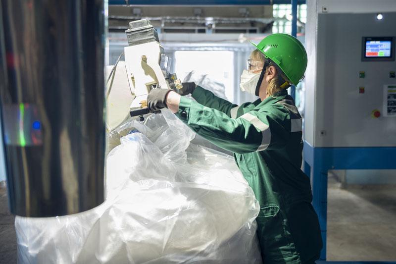 Средняя заработная плата рабочих филиала «КЧХК» в 2020 году достигла 46,5 тысяч рублей
